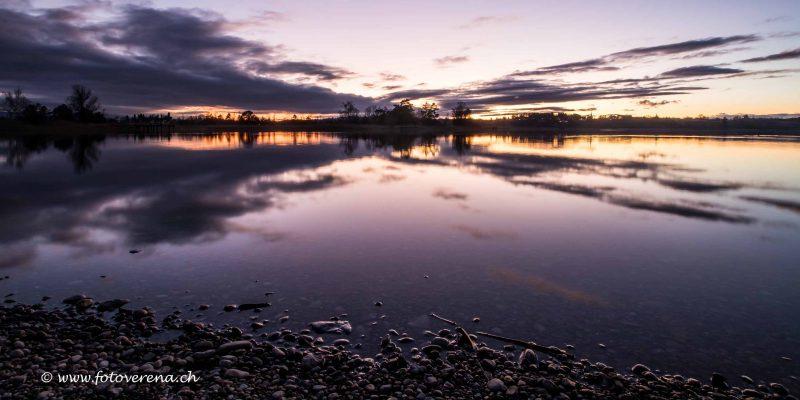 am Pfäffikersee-Ufer zur stimmungsvollen blauen Stunde